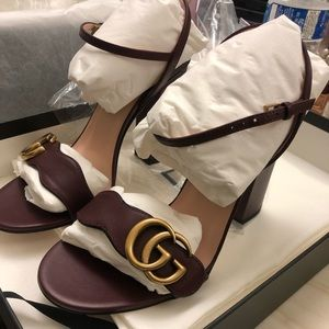 AUTHENTIC BRAND NEW IN BOX GUCCI 👡 SANDAL Size 6
